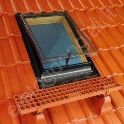 Stogo liukas Fakro WSS 54x75 su tarpine lygiai stogo dangai