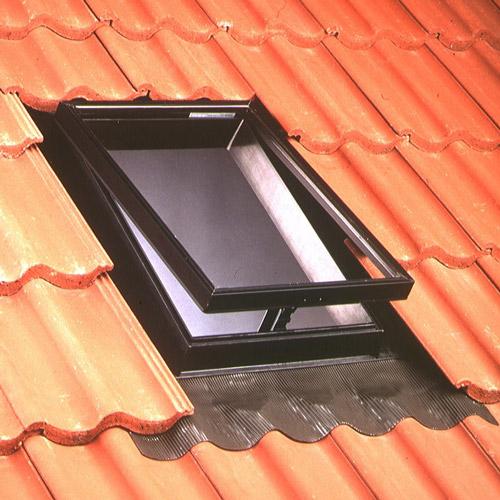 Velux stogo išlipimo liukas VLT025 1000 45x55 Universali tarpinė